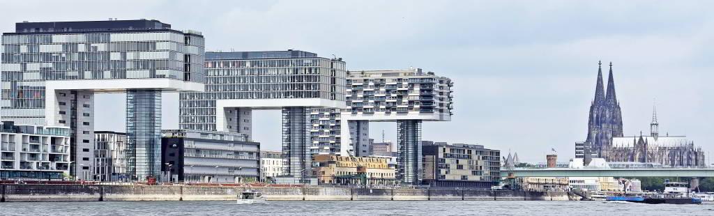 Köln, Kranhäuser und Dom